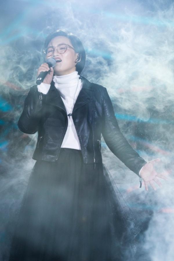 Nữ ca sĩ còn tiếp tục gửi đến mọi người ca khúc nhạc phim