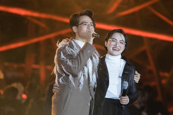 Trở lại sân khấu, Hà Anh Tuấn tiếp tục song ca cùng Nguyên Hà ca khúc