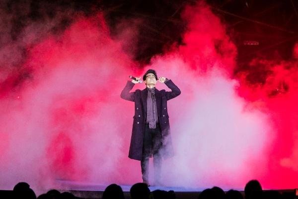 Hà Anh Tuấn khiến hàng ngàn khán giả đắm say trong đêm nhạc của mình 6