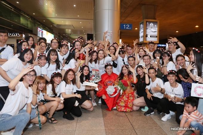 Đông Nhi - Ông Cao Thắng tổ chức đám cưới ở sân bay - 8