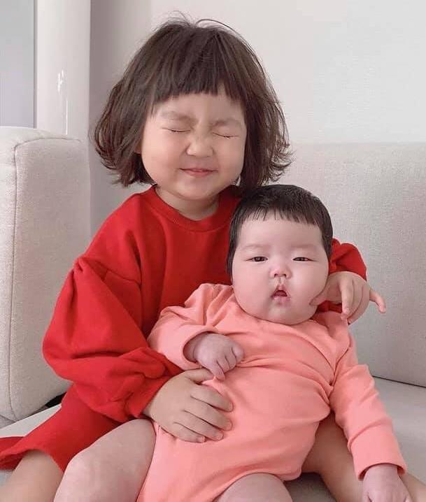 Hot kid Han Quoc duoc goi la thanh meme vi guong mat bieu cam hinh anh 10