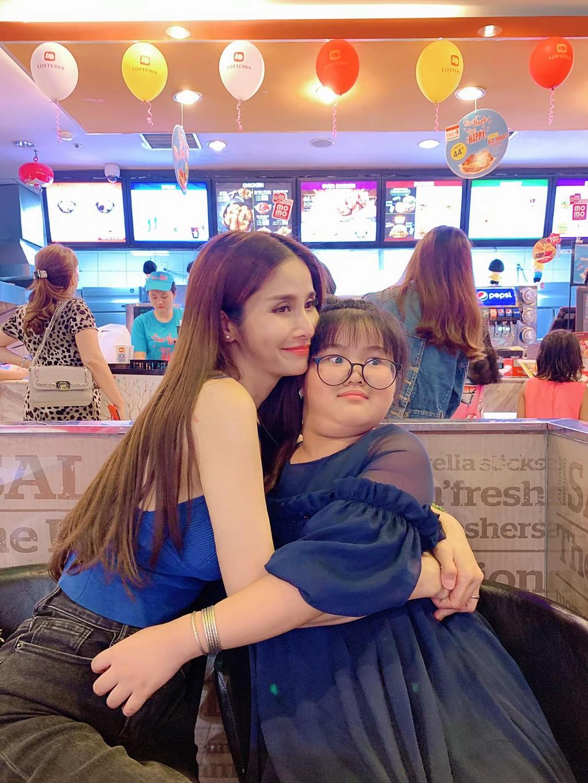 Con gai mum mim cua Thao Trang va Phan Thanh Binh hinh anh 2