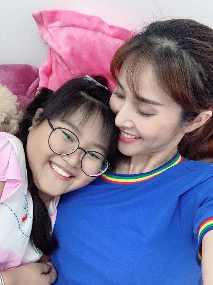 Con gai mum mim cua Thao Trang va Phan Thanh Binh hinh anh 12