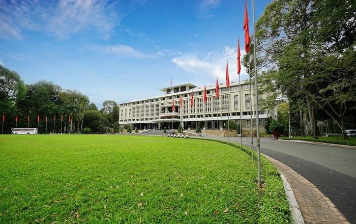 Ảnh đẹp Dinh Độc Lập Sài Gòn nhìn từ xa
