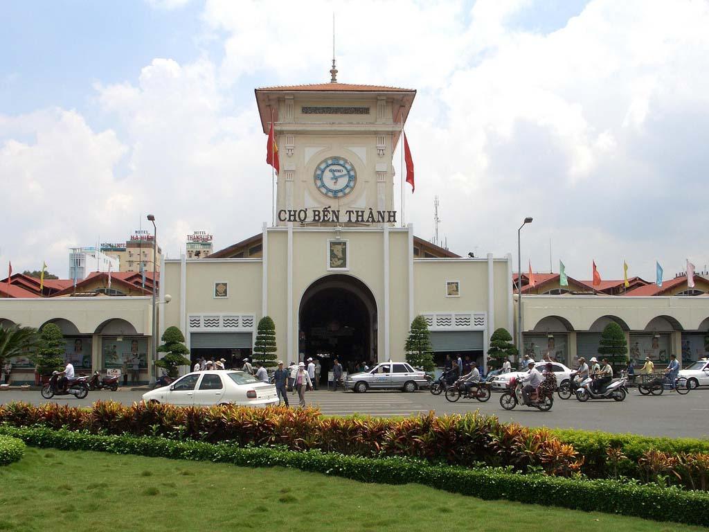 Ảnh vẻ đẹp chợ Bến Thành Sài Gòn nhộn nhịp buổi sáng