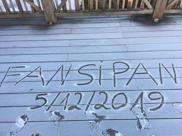 """HOT: Xuất hiện băng giá phủ trắng đỉnh Fansipan, dân tình rục rịch rủ nhau cuối năm lên Sa Pa """"săn"""" tuyết rơi - Ảnh 5."""
