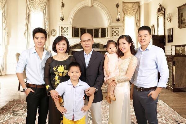 Bí quyết chụp ảnh gia đình đẹp đầu tiên phải kể đến là địa điểm chụp ảnh